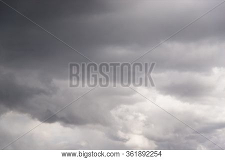 Dramatic Gray Clouds In The Sky. Gray And White Cloudy Sky