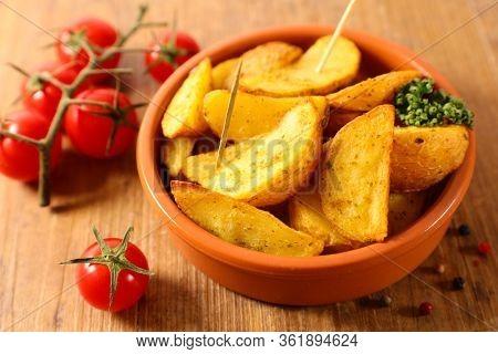 patatas bravas with spicy and tomato
