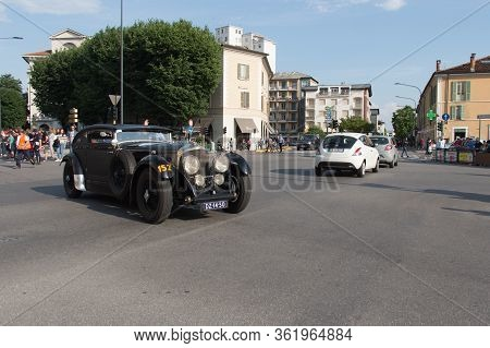 Brescia, Italy - May 19 2018: Bentley Mk Vi 1951 Is An Old Racing Car In Rally Mille Miglia 2018, Li