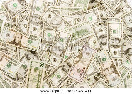 Cash Full Frame Distant