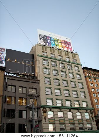Historic Buildings Of Union Square And Billboards Above Featuring A Apple Ipod Nano