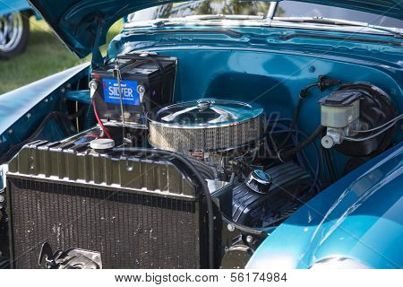 1952 Blue Chevy Delivery Sedan Engine