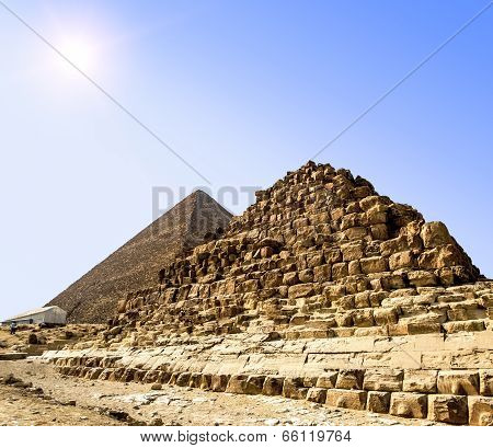 Pyramids At Giza On The Background Of The Sun,cairo, Egypt