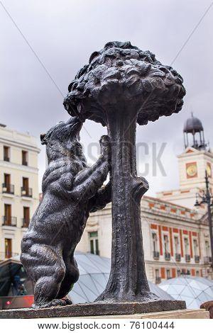 Bear And Mulberry Tree El Oso Y El Madrono Statue Symbol Of Madrid Puerta Del Sol Madrid Spain