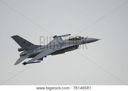 Royal NetheRoyal Netherlands Air Force (rnlaf) F16 Fighter Jet