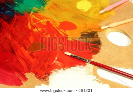Artist'S Palette And Paint Brushes