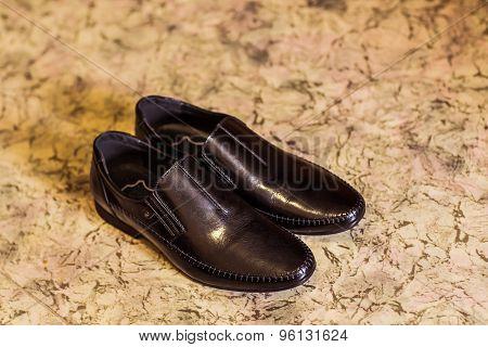 Men's white shoes