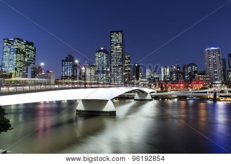 Brisbane City nightscape and Victoria bridge