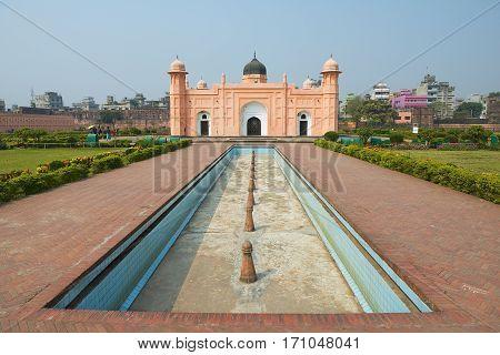 DHAKA, BANGLADESH - FEBRUARY 02, 2014: Exterior of the Mausoleum of Bibipari in Lalbagh fort Dhaka, Bangladesh.