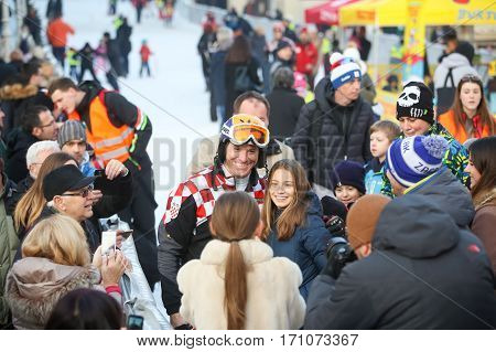 Ivica Kostelic Posing With Kids