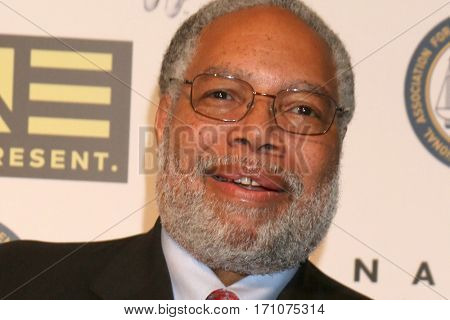 LOS ANGELES - FEB 10:  Lonnie G Bunch III at the Non-Televisied 48th NAACP Image Awards at Pasadena Conference Center on February 10, 2017 in Pasadena, CA
