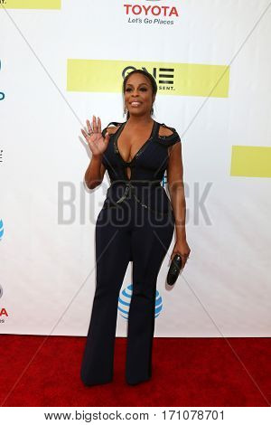 LOS ANGELES - FEB 11:  Niecy Nash at the 48th NAACP Image Awards Arrivals at Pasadena Conference Center on February 11, 2017 in Pasadena, CA