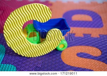 Alphabet puzzle pieces for kids, Alphabet C