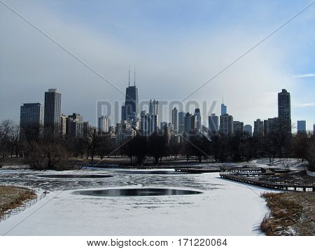 Chicago skyline in the wintertime under a clear blue sky