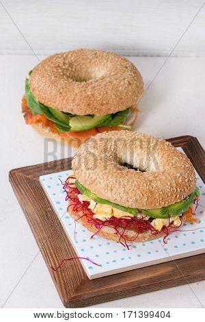 Bagel With Salmon And Egg