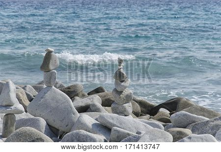 Amazing statues made from stones in perfect balance