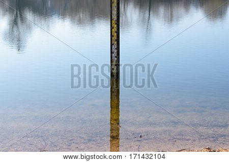 Flood Level Scale Pillar