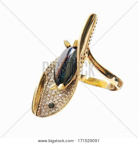 fashionable gold ring with a original diamond