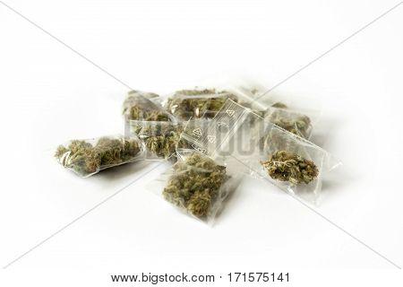cannabis marijunana hemp medicine dose bags detail