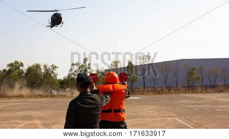 leading aircraft Directing traffic helicopter Landing on the airstrip