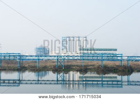 pipeline and construction in oil refinery plant