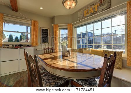 Sun Filled Breakfast Nook With Window Seat