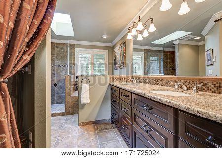 Freshly Remodeled Bathroom With Gorgeous Dual Sink Vanity