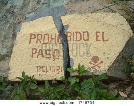 No Trespassing - Peru