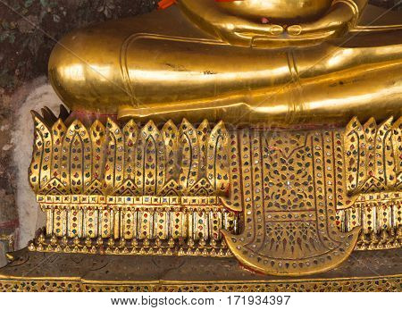 The hands & foot of Buddha statue