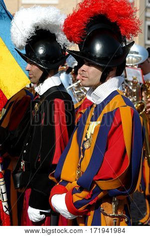 VATICAN - MAY 4: Opening of the celebration for the V° Centenary Suisse Guard Foundation. The Suisse Guards arrived from Lucerna benedicted by Pope Benedict XVI from his window in Saint Peter Square in Vatican on 4 may 2006