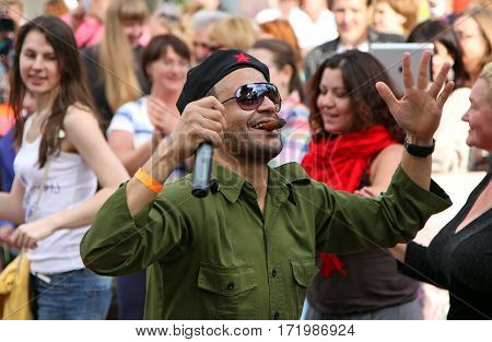Moscow, Russia - Jun 16, 2012: Man In The Image Of Che Guevara At The Festival Of The Famous Russian