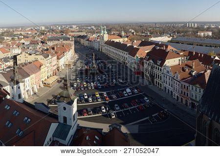 Hradec Kralove, Czech Republic - November 17, 2018: Houses And Cars On Velke Namesti Square In Day 2