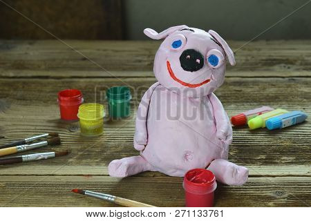Making Clay Toy. Painting Pig With Gouache. Creative Leisure For Children. Supporting Creativity, Le