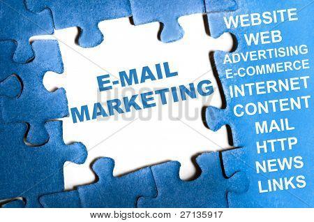 E-mail маркетинг голубой головоломки