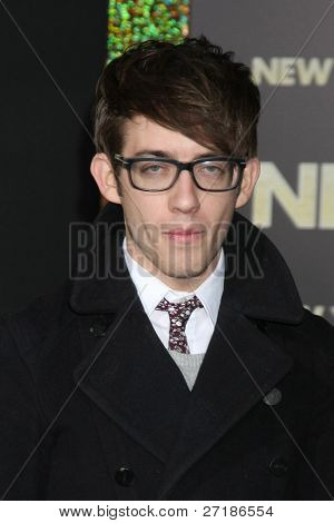 LOS ANGELES - DEC 5:  Kevin McHale arrives at the