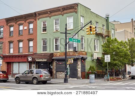 New York, Usa - July 04, 2018: Kent Street In The Greenpoint Neighborhood, Also Know As Little Polan