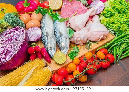 Mediterranena Diet : Fish,meat And Fresh Ingredients