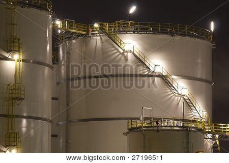 Petrochemical-storage tanks