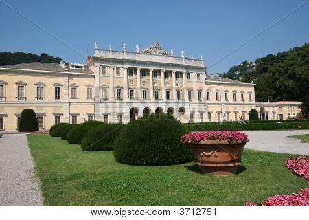 Villa Olmo