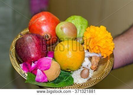 Happy Diwali - Fruits In Plate For Diwali Pooja On Deepawali, Diwali Pooja Plate