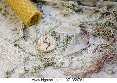 Scandinavian Wooden Rune Sowilu, Sigel, Sol On A Rough Linen Cloth With Amethyst Crystalline, Rock C