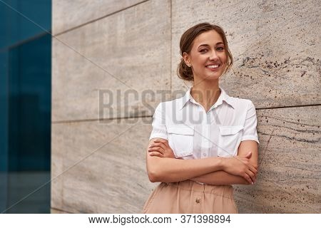 Businesswoman Successful Woman Business Person Standing Arms Crossed Outdoor Corporate Building Exte