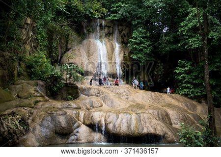 Sai Yok Noi Waterfall, Kanchanaburi, Thailand, July 10 2018.tourists Are Enjoying The Beauty Of Sai