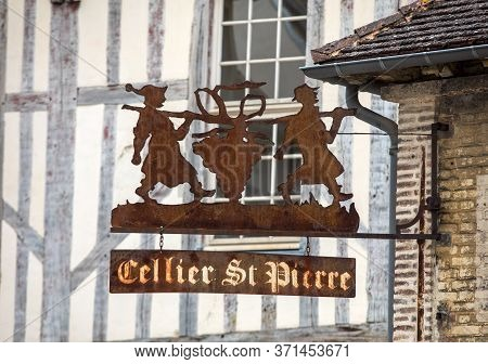 Troyes, France - August 31, 2018: Metal Signboard Of The Cellier St. Pierre Wines In Toroyes.  Aube,