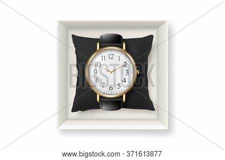 3d Vector Realistic Golden Classic Vintage Unisex Wrist Watch In Paper Box Icon Closeup Isolated On