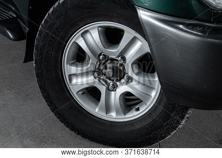 Novosibirsk/ Russia - April 28, 2020: Toyota Land Cruiser 100, Close-up Of The Alloy Wheel. Photogra