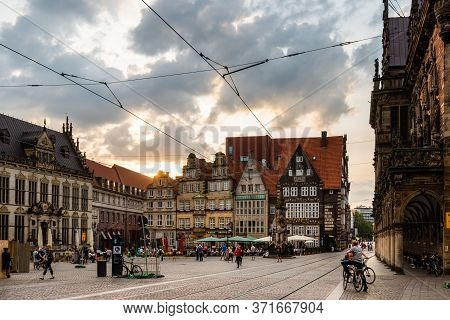 Bremen, Germany - August 6 2019: Historical Centre Of The Medieval Hanseatic City Of Bremen. Sunflar