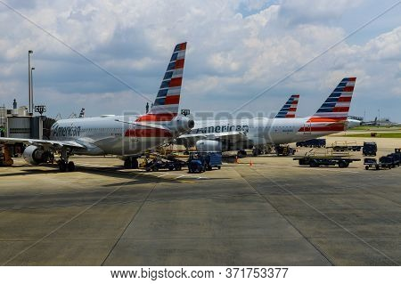 10 Jun 20 Charlotte, Nc Us: View Of Airplanes From American Airlines Aa Lined Up At The Gate At The