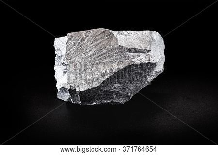Hematite, Silvery Gray Stone, Iron Oxide Frequently Found In Soils And Rock. Ore Used In Industry Or