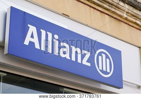 Bordeaux , Aquitaine / France - 06 01 2020 : Allianz Sign Logo For  Financial Services Providers Ins
